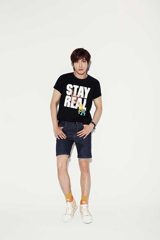 韓國知名藝人CNBLUE主唱鄭容和,代言其全新STAYREAL x The Simpsons聯名系列。