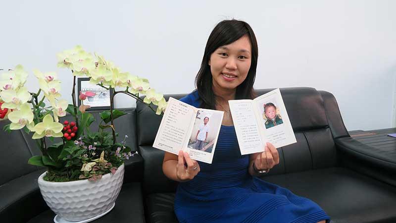 甫獲得104年教育部生命教育績優人員,現任丹鳳高中輔導主任的洪雅玲,同時,也是台灣世界展望會長達15年的資助人。