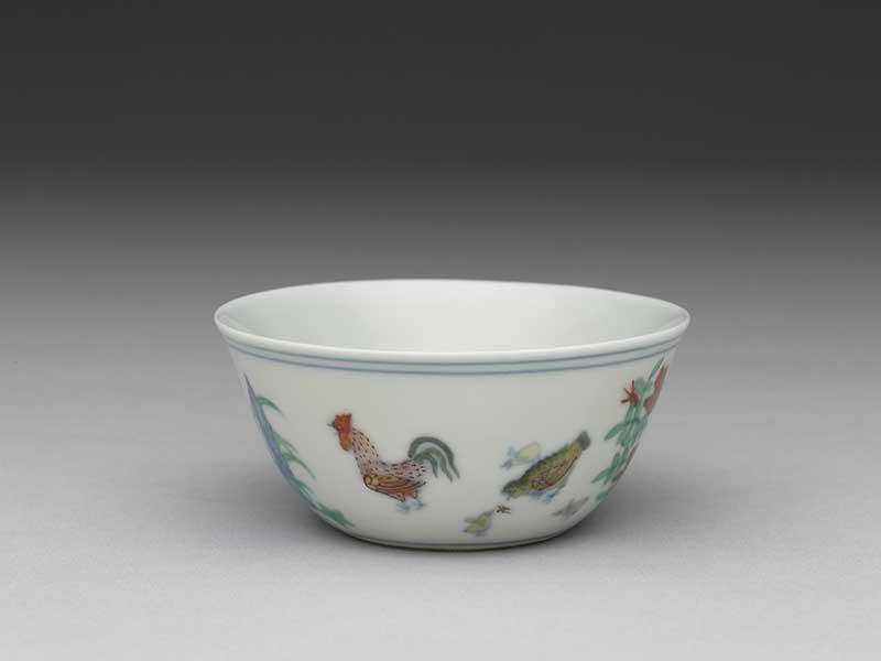 故宮院藏的「明成化窯鬥彩雞缸杯」。