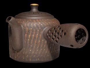 鄧丁壽創作的單柄壺「浮生若夢」。