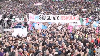 Photo of 50萬人齊聚羅馬競技場 抗議義大利同性婚姻法