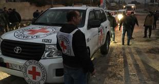 ICRC車隊抵達馬達雅,準備開始發放援助品。