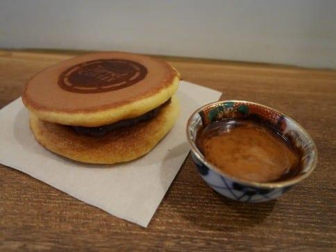 Turret COFFEE印有Turret烙印的甜蜜銅鑼燒。