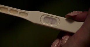 根據統計,在台灣未婚少女懷孕生子的比例高達千分之十七,國內每年約有三千名未成年青少女懷孕生子,而且未成年生育年齡不斷下降。(翻攝美人魚影片)
