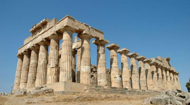 帕德嫩神廟是希臘的指標性古建築。〈圖片來源:翻攝維基百科〉