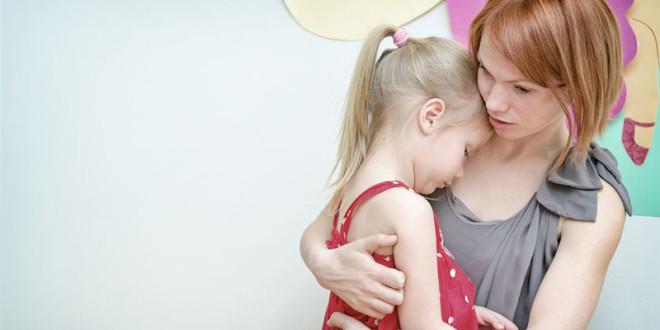 當社會不再安全,要怎麼保護自己的小孩?以下有6點給父母的提醒、8點給小孩的提醒,還有7點孩子在校園時應注意的事項!  圖片來源:123RF