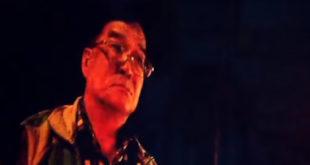 民進黨籍前立委邱垂貞,13日晚間遭警方臨檢不滿,爆粗口罵警方恐挨告。  圖片來源:影片截圖