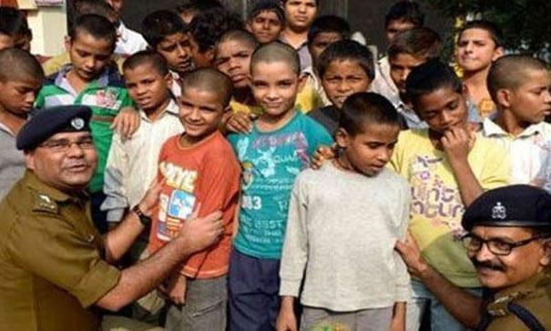 印度政府尋今日獲超過12,000名孩童。(圖片摘自網路)
