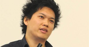 來自台灣的林侑霆,為《英雄聯盟》的首席設計師,他與他的團隊,致力藉由遊戲改善人們之間的互動行為,因而成為重量級科學期刊《自然》(Nature)專訪焦點。(翻攝自網路)