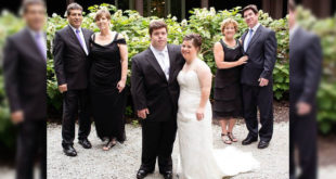萊恩及吉莉安的婚禮,雙方父母出席也相當喜樂。(圖片摘自網路)