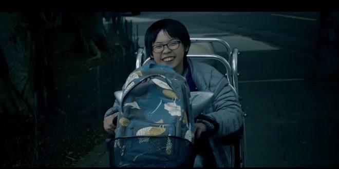黃筱智沒有怨天尤人,反而在學校加倍用功,並樂於助人,常被師長當成模範生。(翻攝網路)