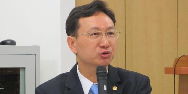 準行政院發言人童振源表示,「台灣人民的健康與充分參與國際社會的權益,絕不能以任何政治框架加以限縮。」(圖片來源/wiki)