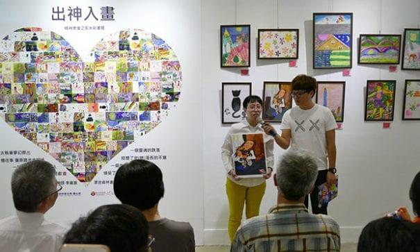 康復之友楊英珮(左)分享得獎心路歷程。(圖片來源:新北市衛生局)