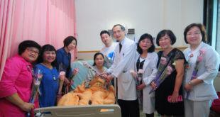 早產兒基金會與十一家合作醫院,遞上花語「永恆不變的愛」的桔梗花,陪安胎媽媽過母親節。(圖片來源:早產兒基金會)