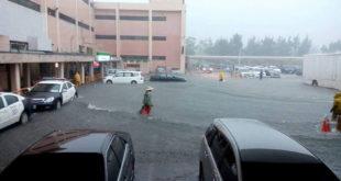 桃園機場2日面對37年以來最嚴重水災,桃機董事長林鵬良已經向交通部請辭。  圖片來源:爆料公社