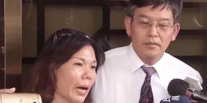 面對呂姓女子在網路上指控林姓司機繞遠路一事,林姓司機妻子(左)表示自己全家受到很大壓力。  圖片來源:網路截圖