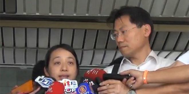小燈泡母親在開庭結束後,對媒體說,他們選擇一條難走的路,希望未來類似的悲劇不再發生。  圖片來源:影片截圖