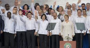 蔡英文出訪巴拿馬,但在參觀運河活動過程中,意外因署名引起爭議。  圖片來源:總統府
