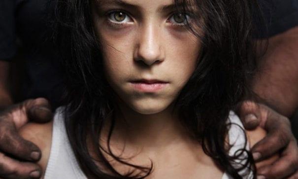 全球性產業合法代,首受衝擊的是兒童權益。(圖片來源:curacaochronicle)