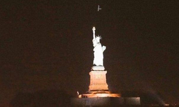 太陽能動力2號日前飛越紐約巿上空,完成橫越美洲大陸的旅行。(圖片來源:yahoo)