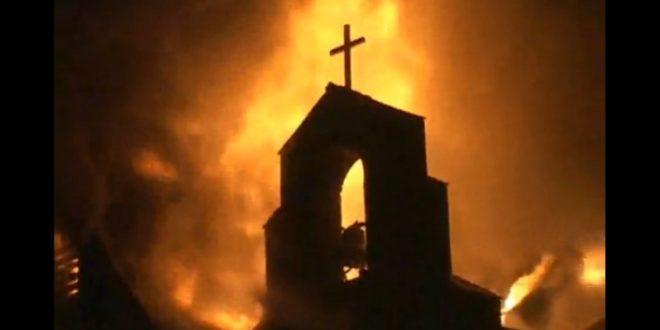 全球基督徒在各地不時傳來受到迫害的消息,此情況在奈及利亞尤其嚴重,除了殺害基督徒外,他們也縱火毀損教堂。(圖片來源/翻攝自網路)