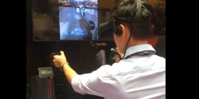 記者親身體驗身歷其境的VR槍戰遊戲bullet train。(圖片來源:馮紹恩攝)