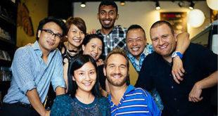 一群團結的朋友幫助力克‧胡哲對抗霸凌。(圖片來源:Nick Vujicic臉書)