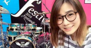 台北電腦展中,也舉辦了台灣第一屆的「台灣電競節」,俏皮鼓后羅小白在現場有一段精采的演出。  圖片來源:羅小白FB