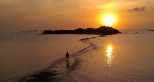 澎湖的景點「摩西分海」,最近又掀起了旅遊熱潮。(圖片來源:翻攝網路)