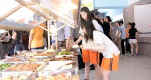 8月1日起校園禁用一次性餐具,學生要自備便當盒,或使用學校餐具。(圖片來源/北市府提供)