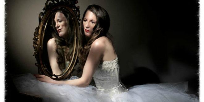 天生就患有無臉症的艾莉森,現在成為一名模特兒。(圖片來源:http://www.alisonmidstokke.com/)