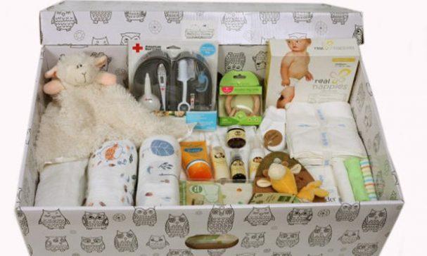 嬰兒箱裡的物品一應俱全,為低收入戶的家庭節省一筆開銷。(圖片來源:austere)