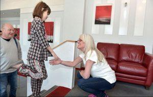 黛比與娜莉在心臟移植後,10年後第一次相見。(圖片來源:翻攝網路)