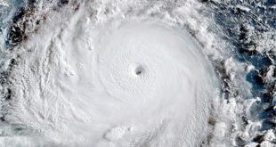 從外太空所拍攝的強烈颱風照片。(圖片來源:翻攝網路)