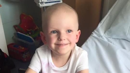 雖罹患癌症,蒂莉還是樂觀面對。(圖片來源:翻攝網路)