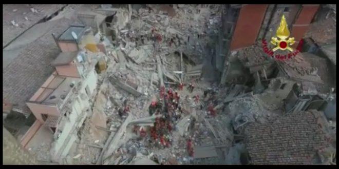 阿馬特里切古城,大地震後只剩斷垣殘壁。(翻攝網路)