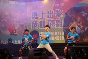 棒棒堂到高雄現場演唱,為營友加油。(圖片來源:台灣世界展望會提供)