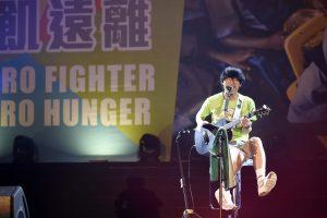 盧廣仲用歌聲為營友加油。(圖片來源:台灣世界展望會提供)