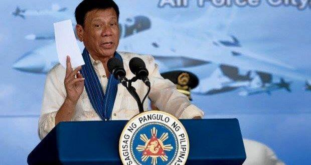 菲律賓啟動雷厲風行的掃毒政策,自他當選後至今,已處死逾1900名罪犯,其中包括700多毒梟。(翻攝Rodrigo Duterte臉書)