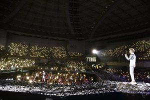 Bii日前結束在台大的個人演唱會,他在台上還深情向媽媽告白。(圖片來源:Bii臉書)