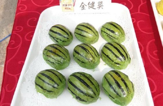 月餅組冠軍獎項為格麥西瓜酥,並表示研發方向為遵守少糖、少油、低脂的健康路線。(圖片來源/格賣藝術蛋糕粉專)