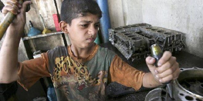 埃及童工問題嚴重,許多童工還做著和大人一樣粗重的工作。(圖片來源/翻攝自網路)