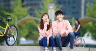 《W-兩個世界》劇組公佈李鍾碩與韓孝珠劇中情侶合照。(圖片來源/翻攝自網路)