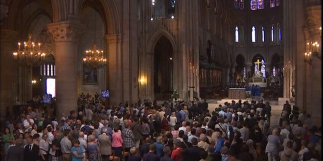 法國和義大利約2萬名穆斯林31日出席天主教堂追思彌撒,紀念Jacques Hamel神父。(翻攝網路)