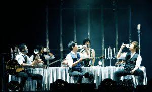 五月天三度鳥巢開唱,與全場十萬歌迷一同追憶青蔥歲月的笑與淚。(圖片來源:相信音樂提供)