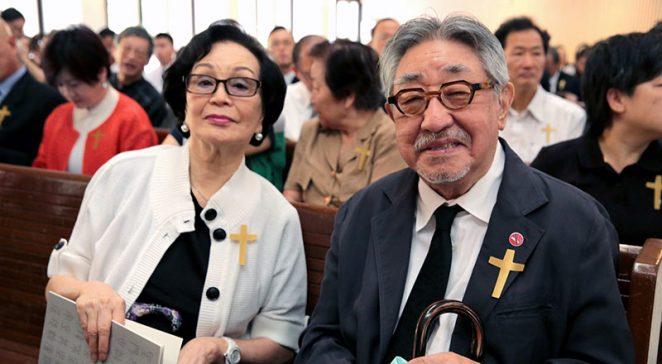 孫越也到現場一同悼念周聯華牧師。 圖片來源:世界展望會提供