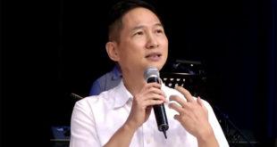 中原大學副教授曾陽晴在受洗後,從上帝那裡獲得力量,可以選擇饒恕父親,恢復和父親的關係。  圖片來源:影片截圖