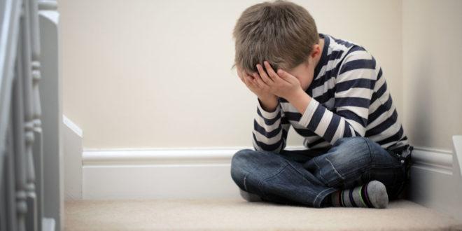 一名12歲少年從自家住處12樓跳下輕生,傷重不治。(示意圖非本人)