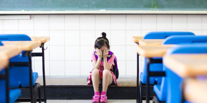 李嫌從2012年11月起,就對這名受害的女童伸狼爪。(示意圖非當事人)