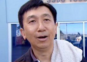 患有精神分裂症的澳洲華裔醫生王凱文,多年前涉嫌在診病期間性侵17名女病人及一名女職員。日前法院以犯案時「精神不健全」為由,獲判無罪。